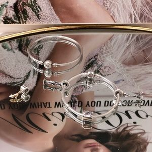 Pandora bracelet / charm bundle